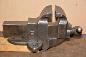 Antique Classic Athol Machine Co Cast Iron Bench Vise Made ...