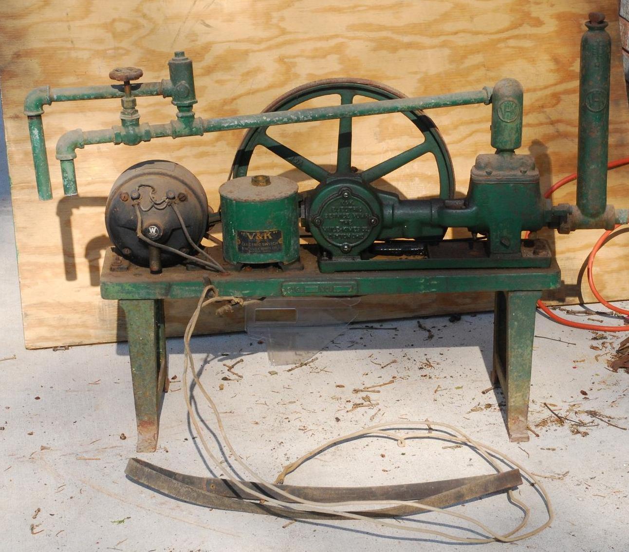 80 Year Old Waterpump That Still Works