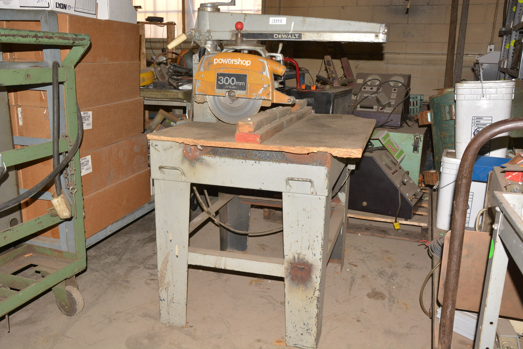 Dewalt 12 Radial Arm Saw 2 Hp Swivel And Tilt Head Inv 13345 Ebay