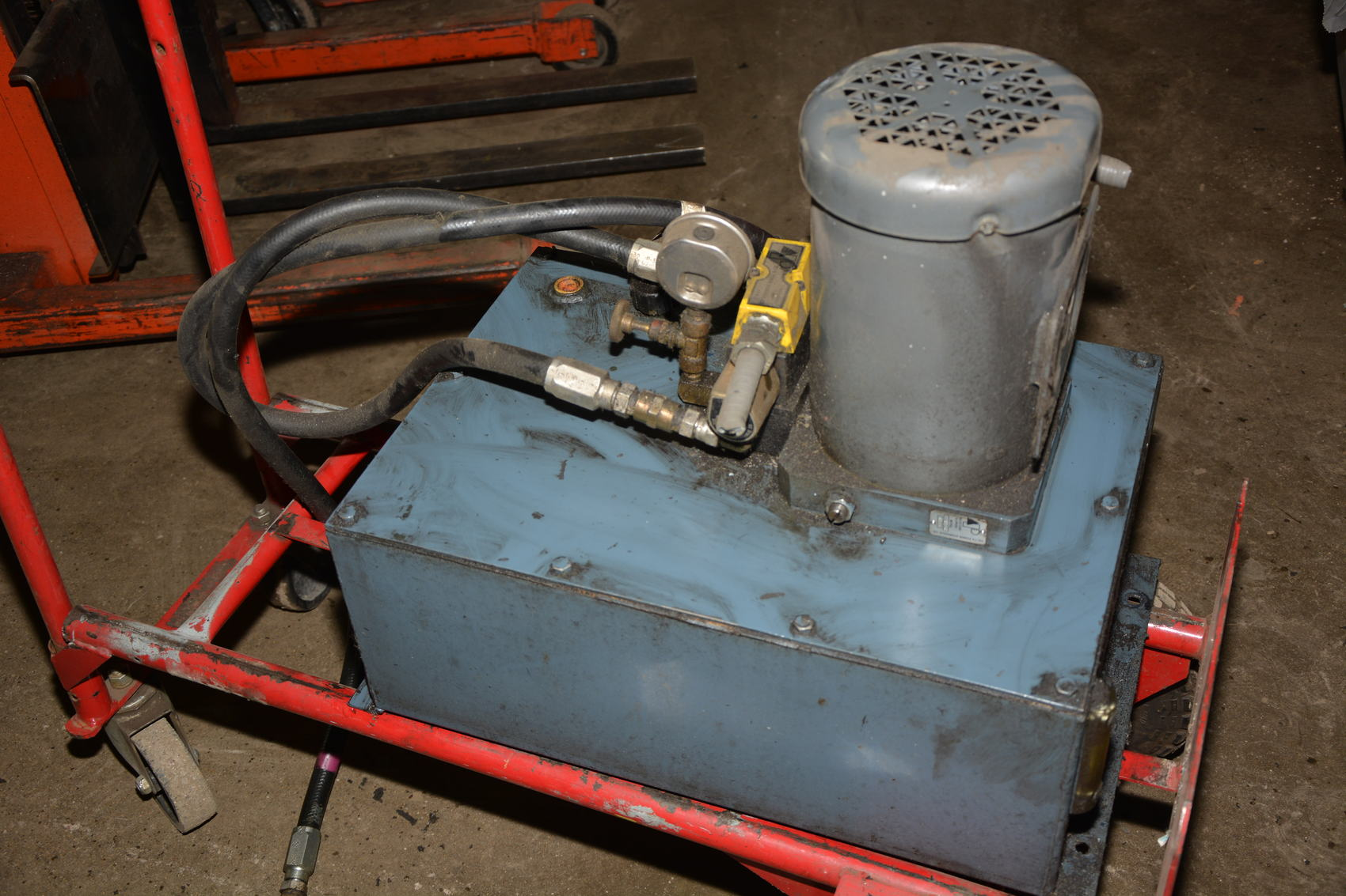 Delta hydraulic pump power unit w baldor motor 1 1 2hp 3 for Hydraulic pump motor units