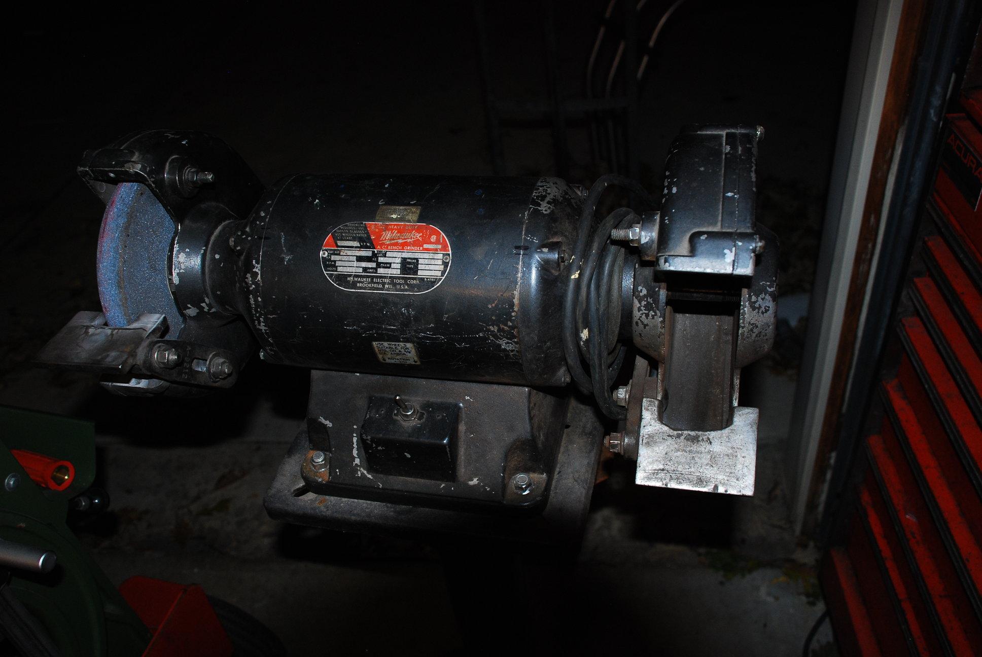 Milwaukee Bench Grinder 5645 Jpg Of Milwaukee 3 4 Hp Bench
