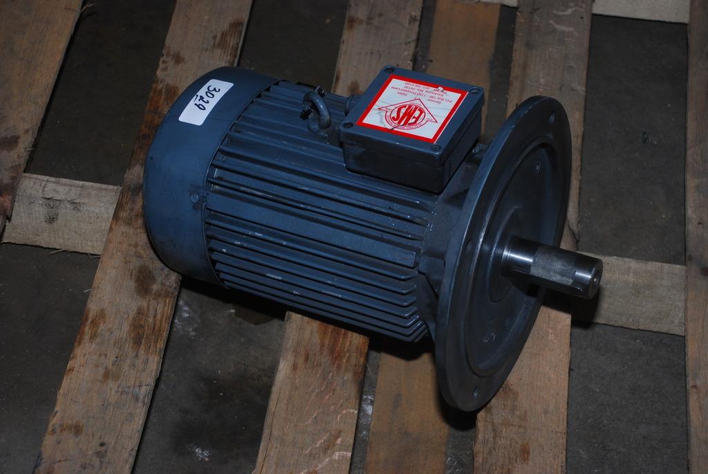 New Vem Motor 7 5 Hp 400v K21r 132 S 2 T Tws Inv 3029 Ebay