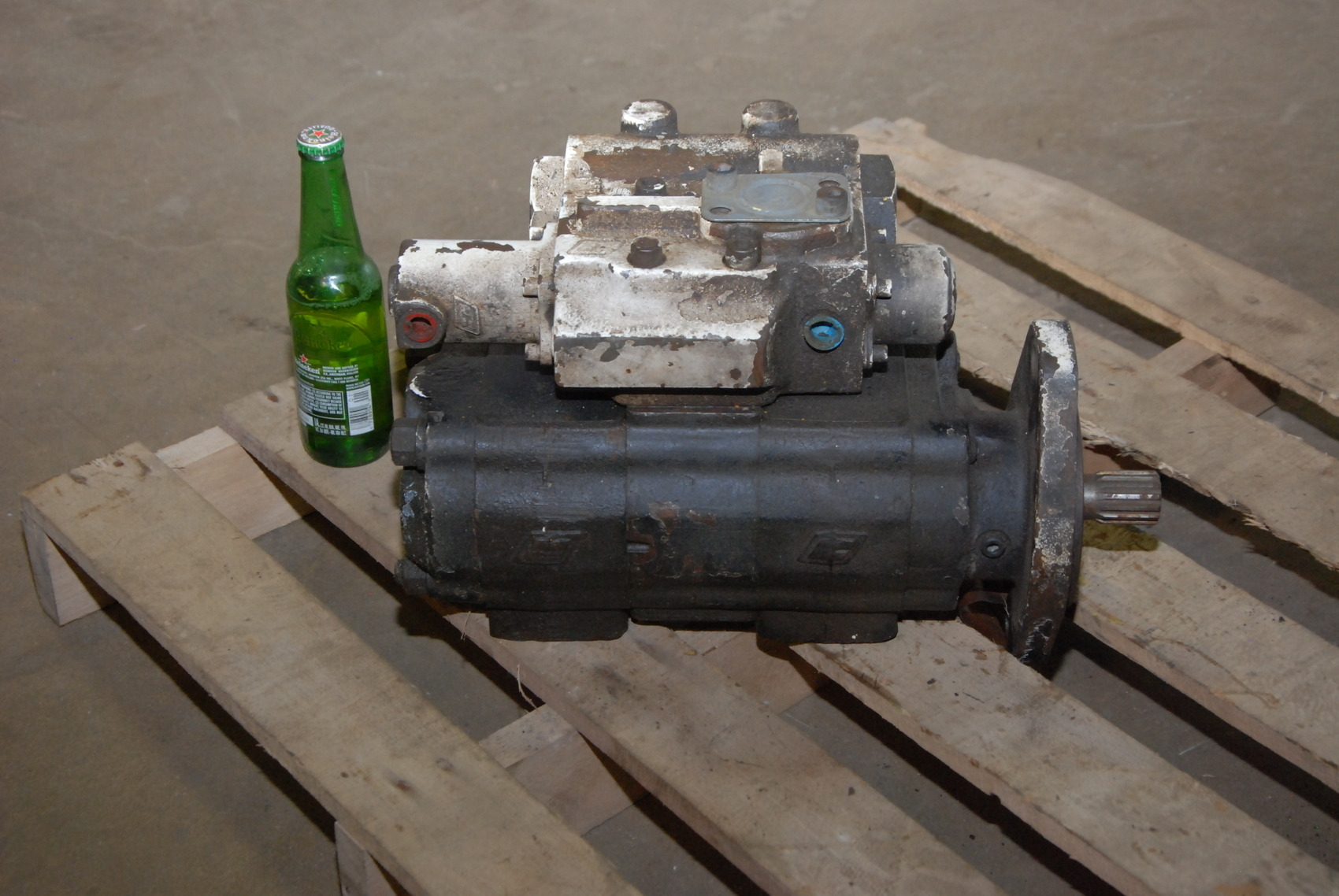 Nice industrial hydraulic pump fits vickers denison racine for How to size a hydraulic pump and motor