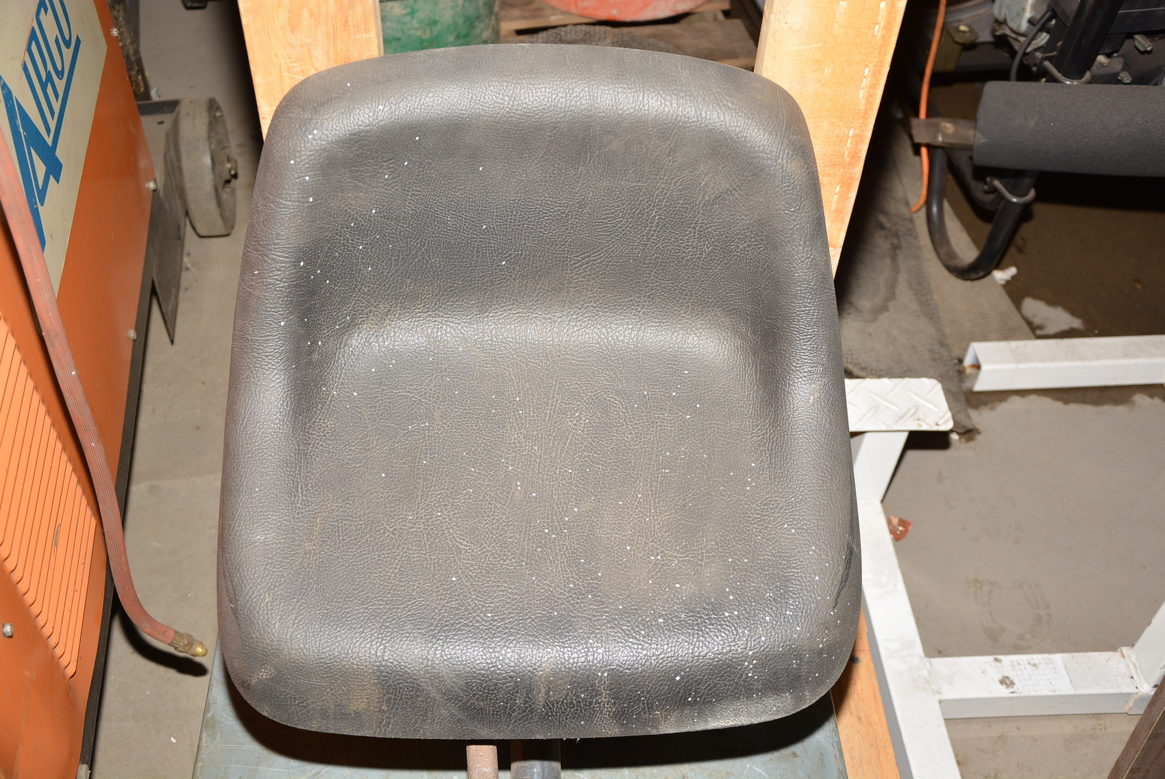 Bobcat Seat Replacement : Replacement seat for bobcat backhoe attachment inv