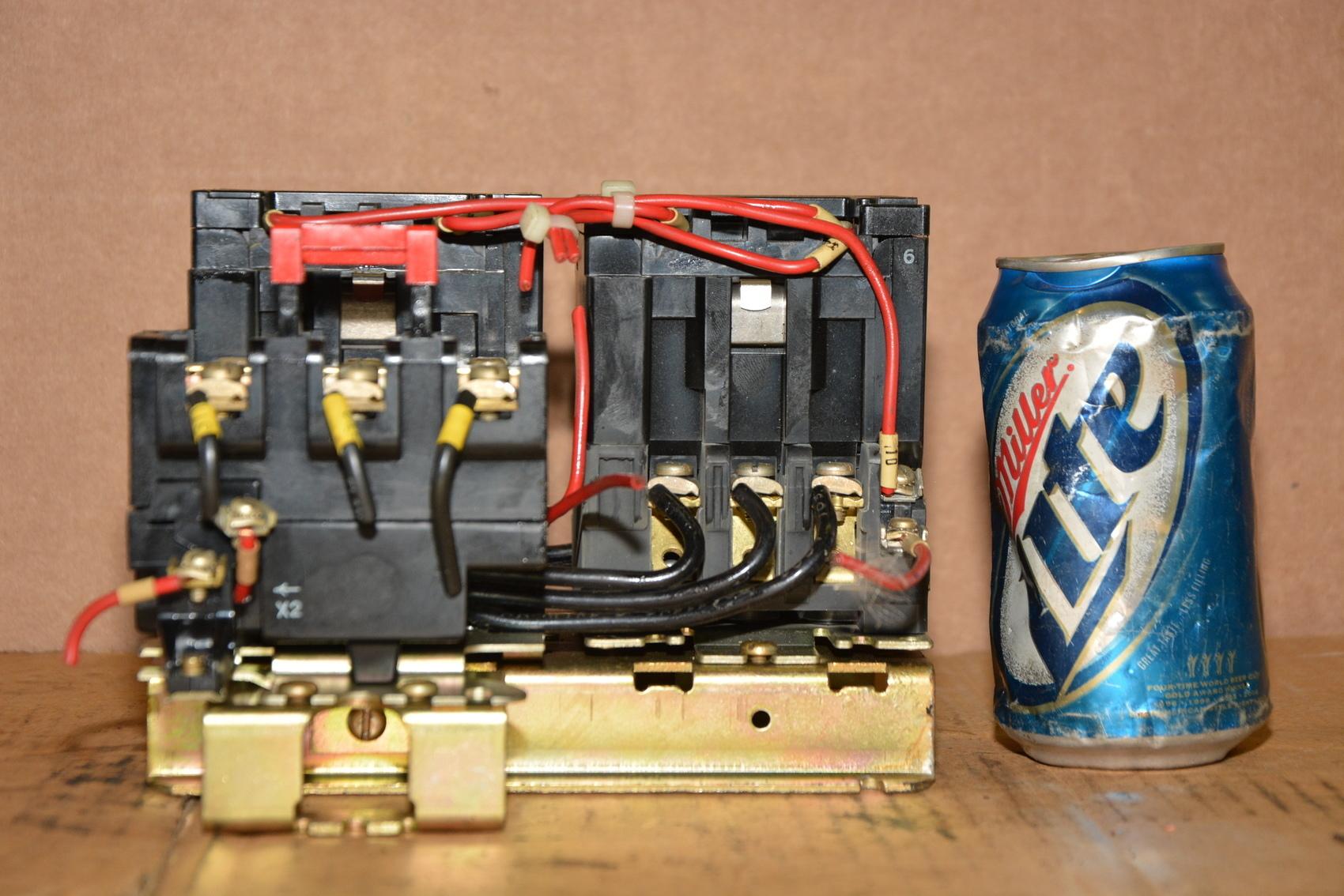 Square d 8736sc08 reversing motor starter series a nema for Nema size 1 motor starter